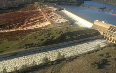 Oroville dam potential failure causes evacuation of about 200,000 Californians