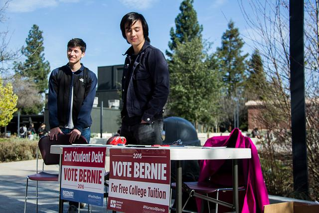 Cristofer Holobetz, 18, tables for student interest in a Students for Bernie movement in the DVC quad in Pleasant Hill, Jan 27.