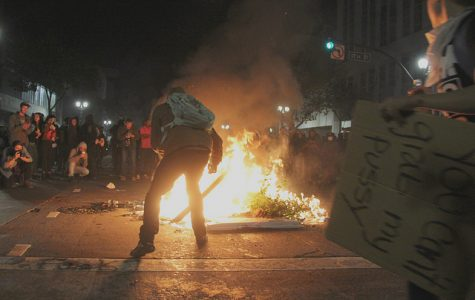 Oakland protesters erupt with disdain as Trump is president-elect