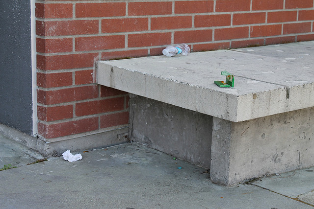 Trash+left+in+the+sitting+area+near+the+Life+and+Health+Science+building.
