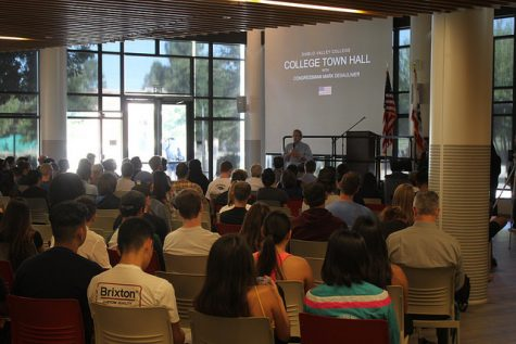 DVC students hear from author Dan Kovalik on US/Russian relations