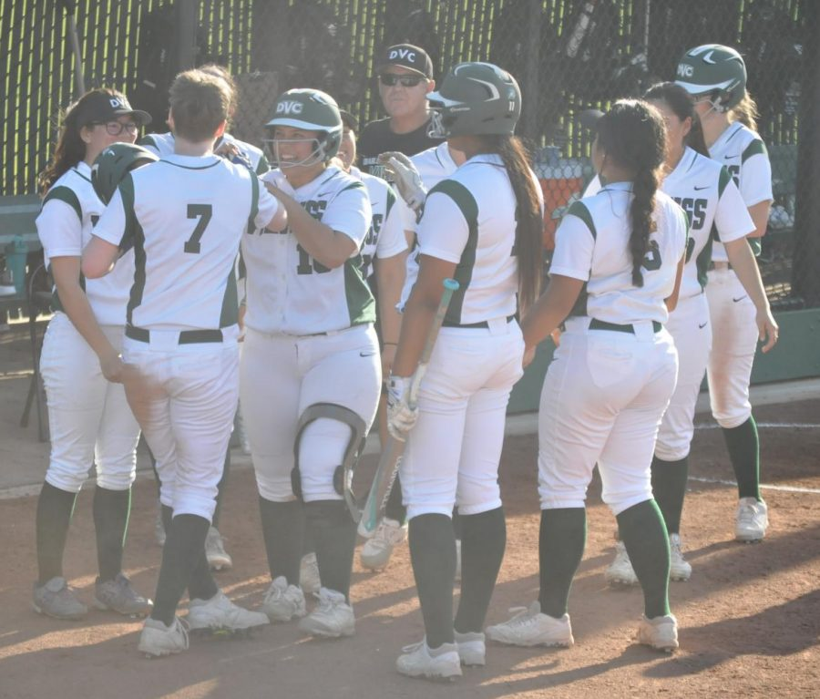 Right+fielder+Kathryn+Cassin+%287%29+gets+a+warm+welcome+back+to+the+dugout+after+scoring+the+walk-off+run+for+the+Vikings%27+win+over+Santa+Rosa+Junior+College+in+Pleasant+Hill+on+March+27%2C+2018.