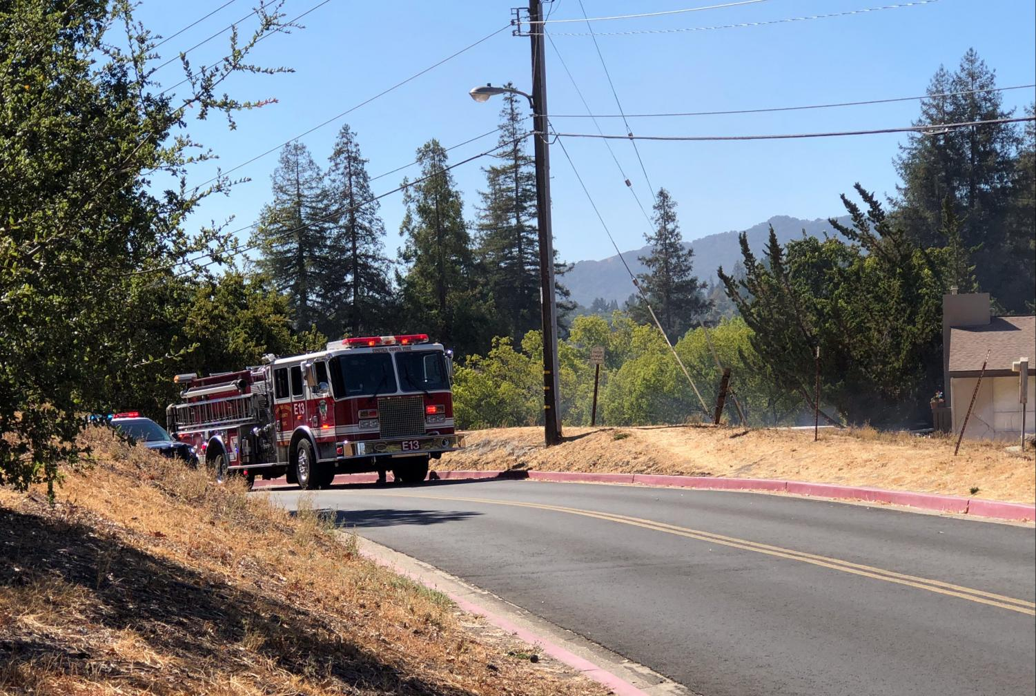 Engine E13 arriving on scene at 12:45 p.m. (Luis Lopez/DVC Inquirer)