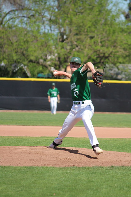 Pitcher+Nick+Krauth+winds+up+a+pitch+in+their+home+game+against+Folsom+Lake+on+April+18%2C+2019.+The+Vikings+won+6-0.+%28Samantha+Laurey%2FInquirer%29